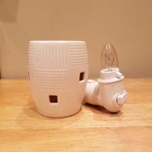 Scentsy Mini Plug-in Warmer - White Weave